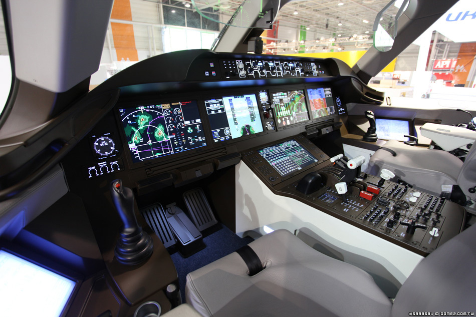 C919-flight-deck.jpg